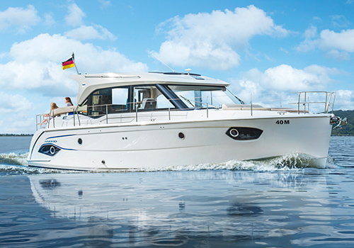 Bavaria motor boats new latest bavaria motor boat for sale for Motor boat awards 2017