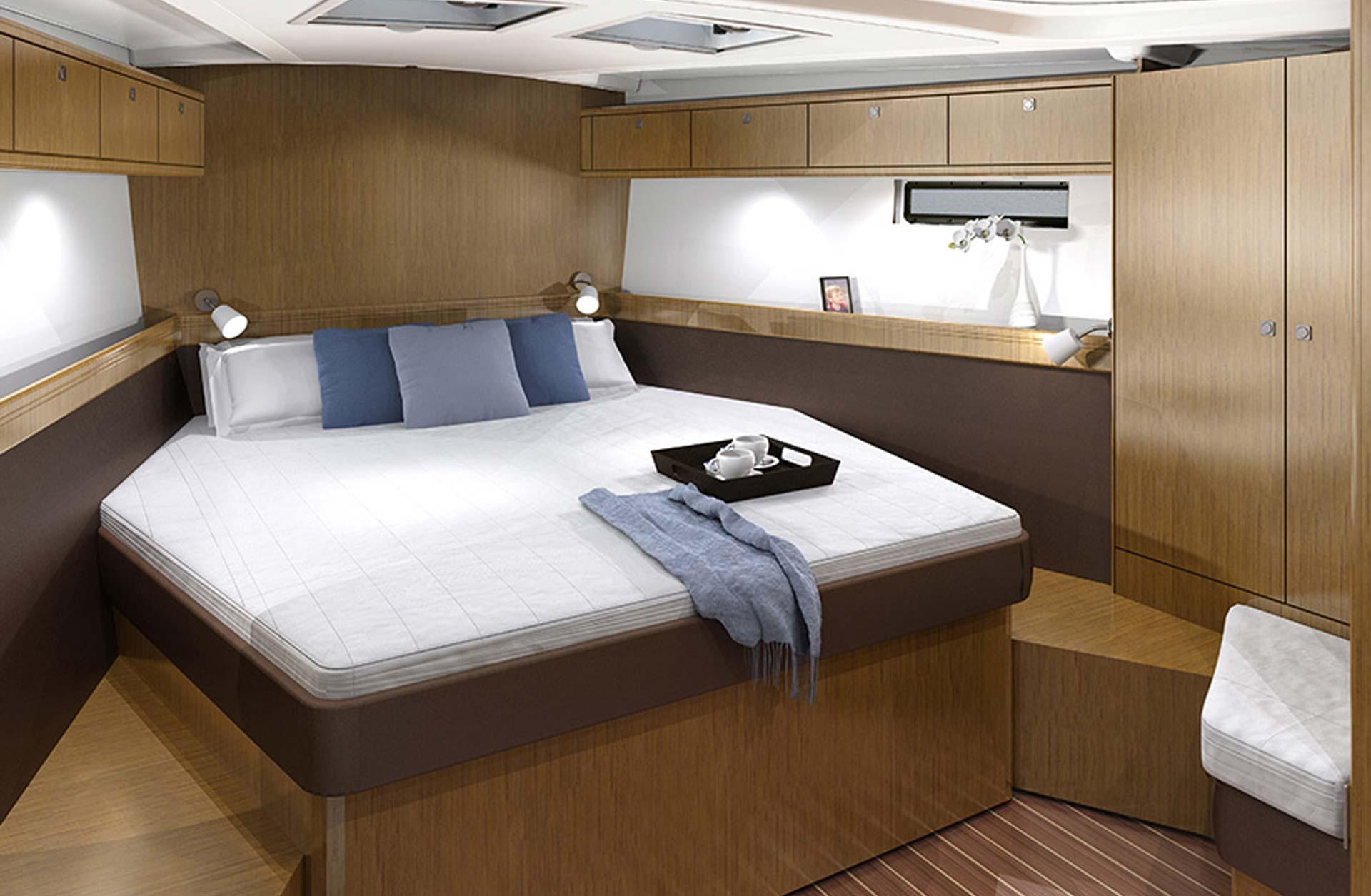 Cruiser 51 - Interior