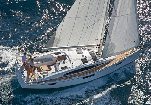 Bavaria Sailboat Vision 42