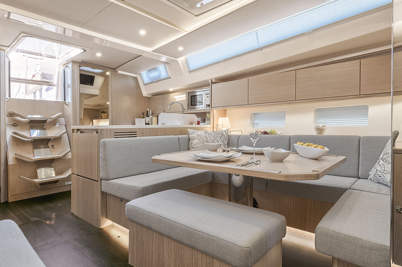 Bavaria C45 Ambition int6